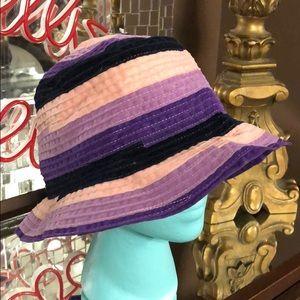Deborah Rhodes Gorgeous bucket hat- Never worn